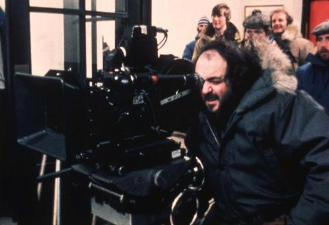 Stanley Kubrik dirigiendo un rodaje.