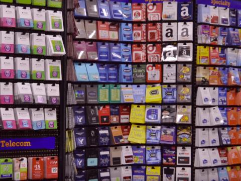 tarjetas regalo en una tienda