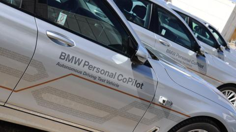 Un coche de pruebas de BMW bajo el programa de BMW Personal CoPilot