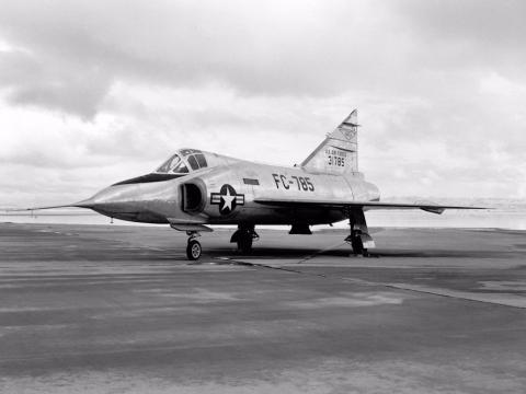 Un Convair F-102 Delta Dagger