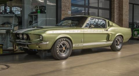 Un Ford Shelby Cobra GT500
