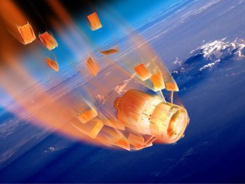 Ilustración de la Tiangong-1 desintegrándose