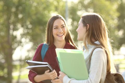 Jóvenes universitarias
