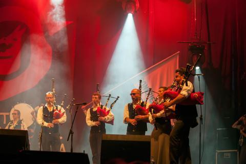 Músicos en un concierto del festival de Ortigueira.