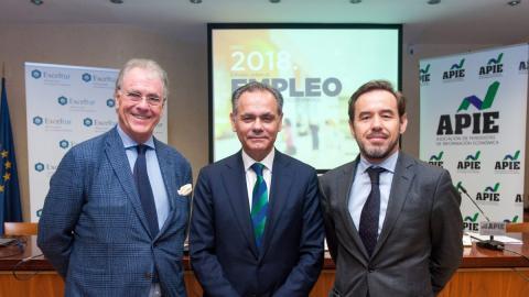 El presidente de Exceltur José María González y el director de estudios Pablo Perelli
