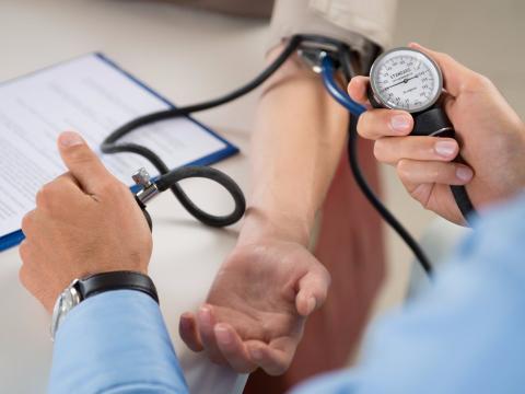 Mayo Clinica alcohol y presion arterial alta