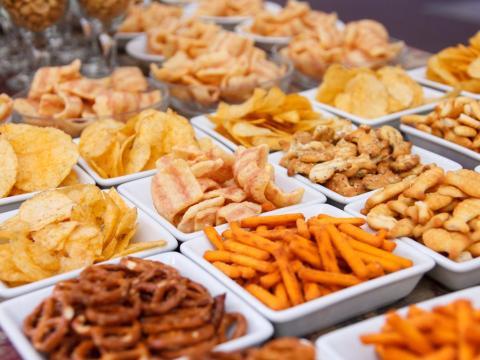 Varios alimentos procesados