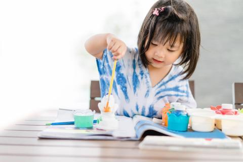 Cualquier tipo de arte es bueno para los niños porque desarrolla la capacidad de expresión.