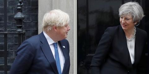 Boris Johnson y Theresa May