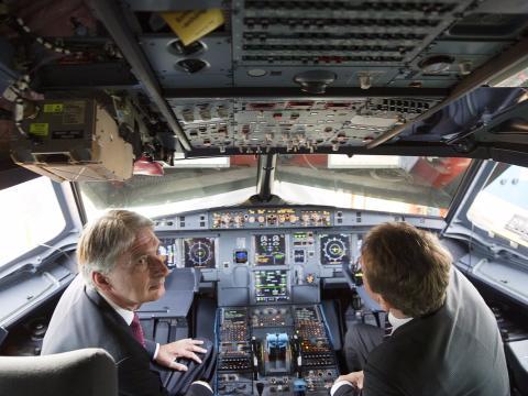 Cabina de mandos de un Airbus A320