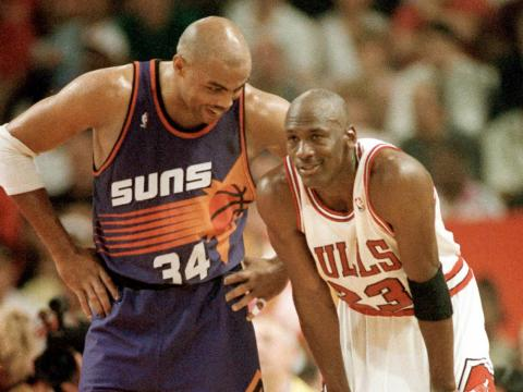 """Jordan también gana apostando. Según Charles Barkley, Jordan pudo ganar """"cientos de miles de dólares"""" jugando al golf [RE]"""