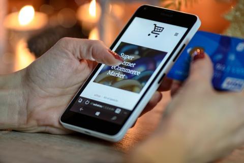 """""""El principal aliado para realizar sus compras será el smartphone""""."""