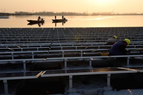 El coste de la energía solar cae