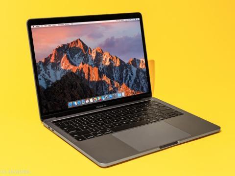Una MacBook Pro con el teclado de mariposa de Apple.