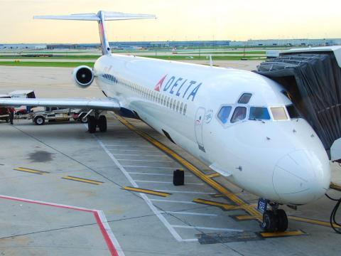 A Delta Air Lines MD.