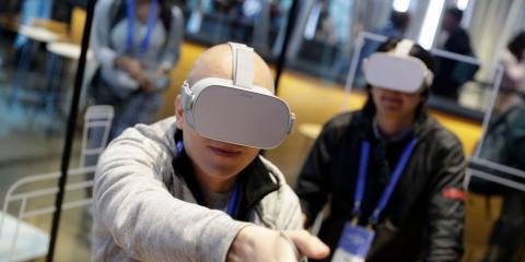Presentación de las gafas de realidad virtual Oculus Go de Facebook.