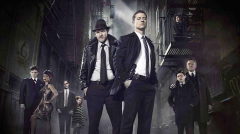 Gotham es una serie de televisión estadounidense basada en los primeros pasos de varios personajes de las publicaciones DC Comics