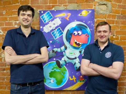 Evgeny Milyutin, a la derecha, e Ivan Kolomoets son los fundadores de Happy Numbers