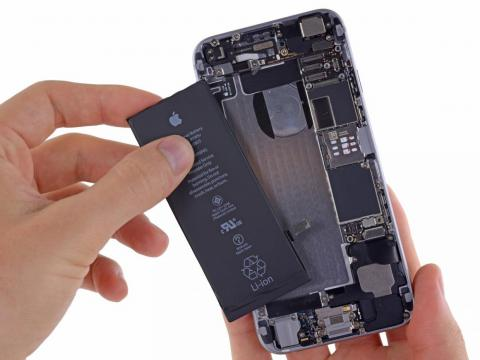 The company expects its iPhone problems to continue in the current quarter.