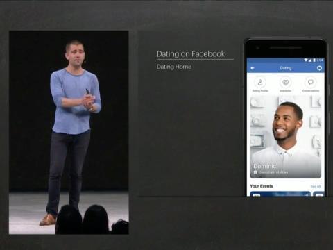 """El jefe de producto de Facebook, Chris Cox, presentando la app de citas """"Dating home""""."""