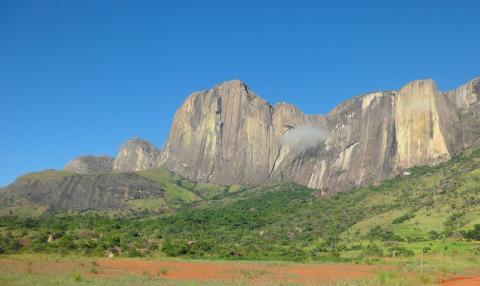 Madagascar Tsaranoro