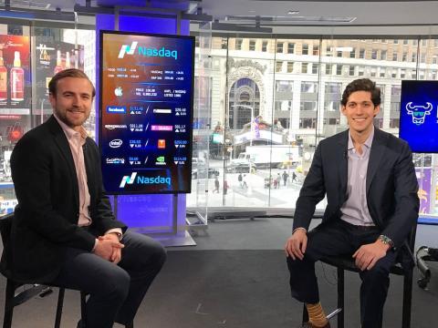 Nicolas Martell, a la derecha, y Jack Kramer son los cofundadores y co-CEOS de MarketSnacks.