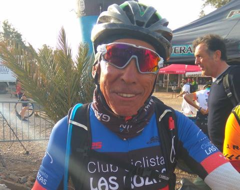 Nino, de 71 años, el participante más veterano de la Titan Desert 2018