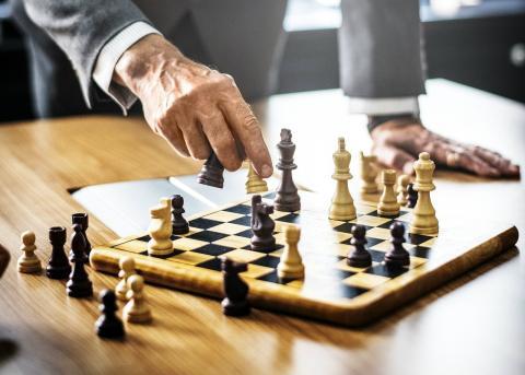 Partida de ajedrez, decisiones, logro