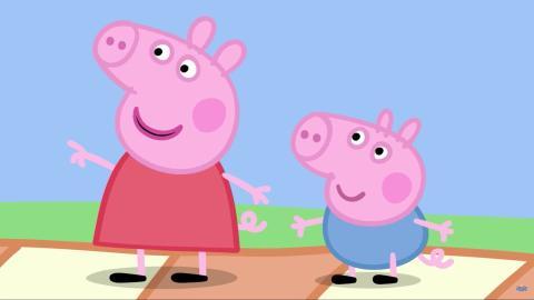 Peppa Pig, junto a su hermano