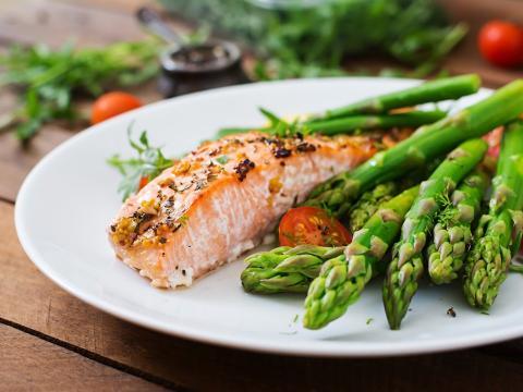 Come hasta que ya no tengas hambre, no hasta estar lleno.