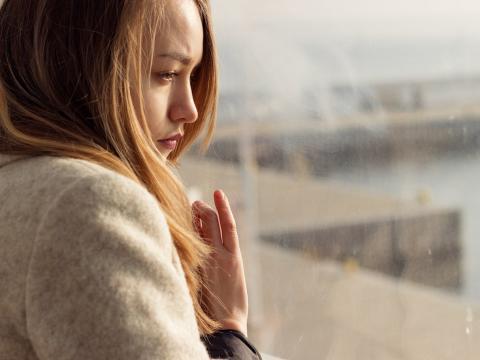 Los signos de abuso emocional pueden ser difíciles de detectar porque no dejan cicatrices físicas, pero hay una serie de signos a los que se puede prestar atención.