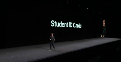 16. Students are going to love this one: In watchOS 5, you can add your Student ID cards to your Apple Watch. This will let you access your dorm or library, or even pay for snacks or laundry or dinners, with only your Apple Watch.