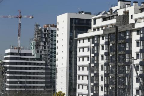 """""""No diría que hay una """"guerra de hipotecas"""", pero sí que hay mucha competencia en bancos a pesar del proceso de consolidación que ha habido"""", ha asegurado el consejero delegado de Caixabank, Gonzalo Cortázar"""