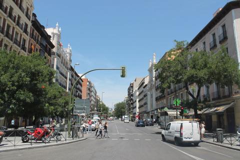 Calle de Fuencarral vista desde la Glorieta de Bilbao.