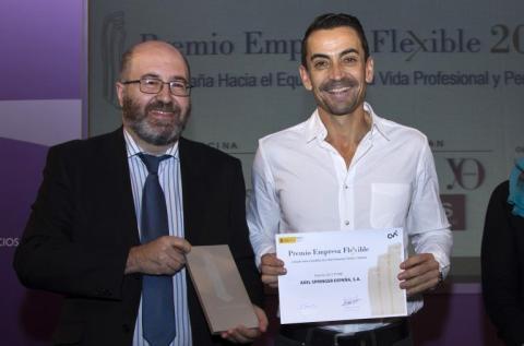 elix Barajas, Subdirector General de Familia del Ministerio de Sanidad, Servicios Sociales e Igualdad, y Manuel del Campo, CEO Axel Springer España.