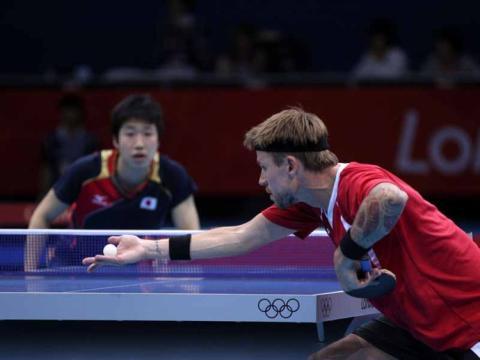 jugadores ping pong