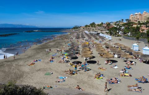 Paisaje de la Playa del Duque, en Tenerife.