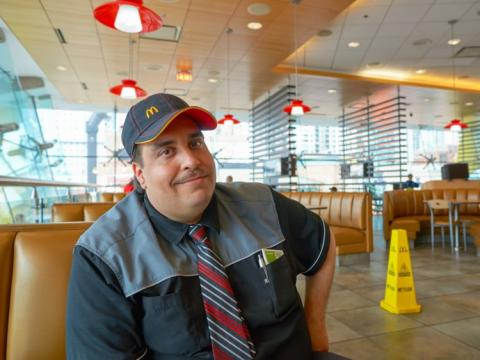 trabajador McDonalds