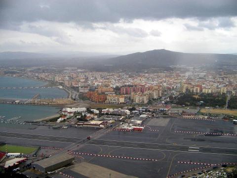 Vista de la Línea de la Concepción desde Gibraltar