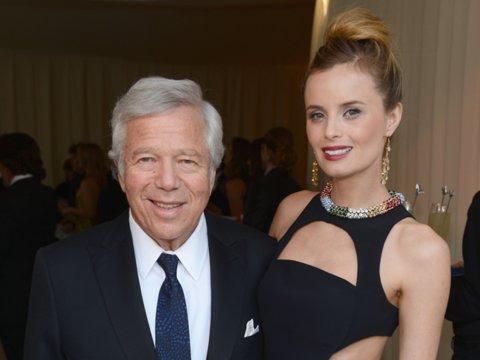 En 2012 Kraft empezó a salir con su actual novia, Ricki Noel Lander