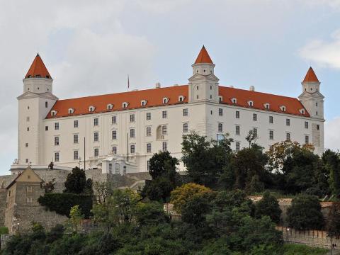 3. Eslovaquia: 67.3%