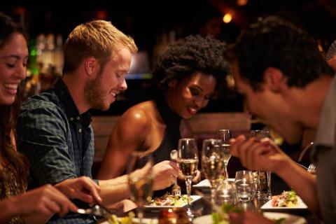 Compartir con amigos reducirá los costes.