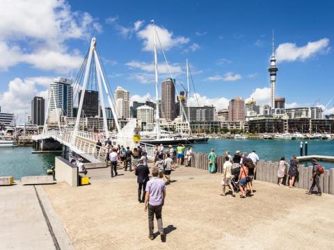 Tras experimentar con una jornada de 32 horas semanales, una compañía de Nueva Zelanda quiere hacer el cambio permanente [RE]
