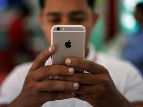 Apple tiene problemas para vender móviles caros en la India [RE]