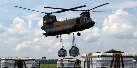 El ejército está listo para entregar alimentos, medicinas y combustible.