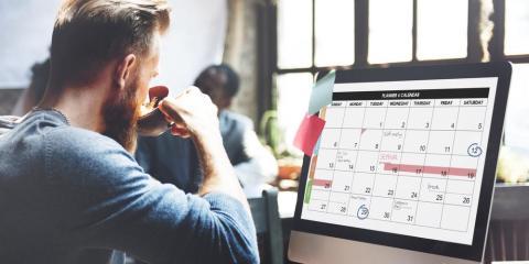 16. Si no tienes una revisión de objetivos en el horizonte, podrías preparar una reunión sobre tu salario unos meses antes del final de año fiscal.