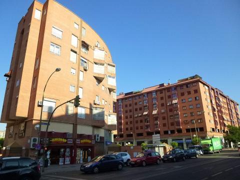 Edificios de pisos, vivienda, en Moratalaz