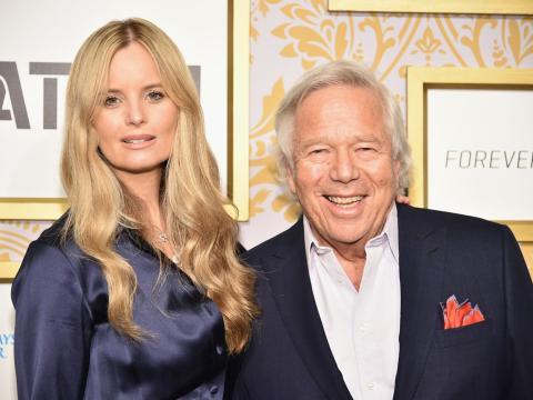 Kraft le ha comprado una mansión en Los Ángeles a su novia y al hijo de ésta