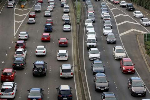 Los viajeros se dirigen al trabajo en Wellington, Nueva Zelanda.
