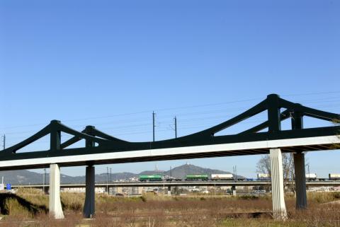 Puente de ADIF AV